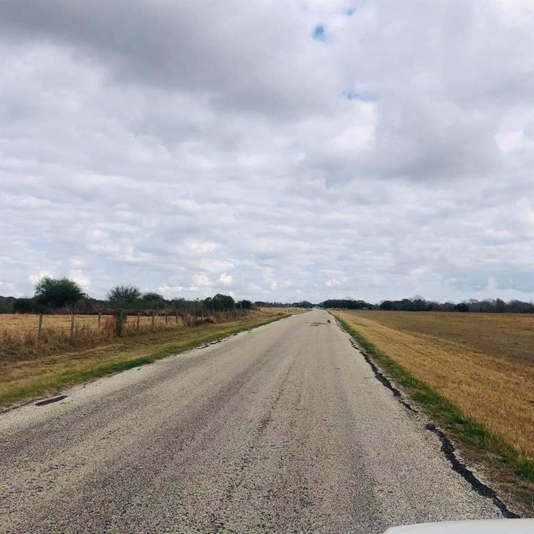 Get away from city life and come live in the country! ACCESS / FRONTAGE. Frontage on Wicks Road. This land does not have a street address, earnest money is $500.00.The option fee is $250 for amaximumof 7 days. There are no mineral rights to convey.