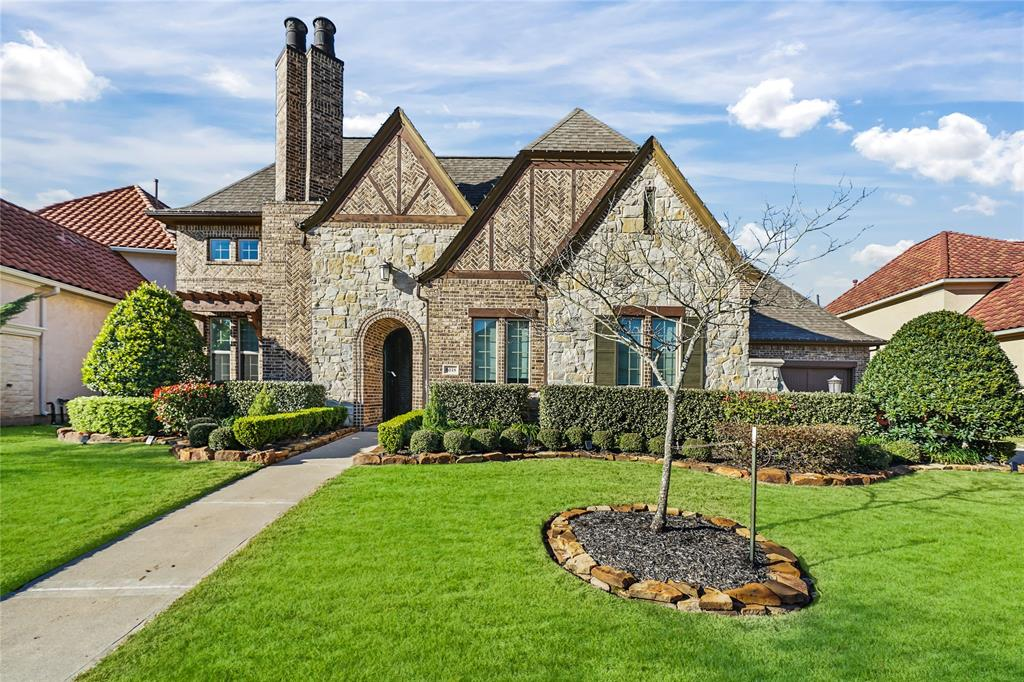 CASITA! COURTYARDS! OUTDOOR KITCHEN! MEDIA ROOM! BEAUTIFUL Unique & luxurious 1 story home by trusted builder, Darling Home on 14K+ SQ FT LOT w/no back neighbors in GATED section of sought after Avalon of Riverstone! Dedicated Dining Room w/soaring ceiling, custom chandelier, & view through wall of windows to back courtyard perfect for entertaining. Gourmet Kitchen boasts granite countertops, Breakfast Bar, DOUBLE OVENS, high end finishes, large island & under cabinet lighting. Luxurious Living Room w/fireplace & access to covered patio/outdoor Kitchen. Primary Bedroom w/trey ceiling, wall of windows & abundance of space to retreat to. Primary Bathroom oasis offers dual sinks, large whirlpool tub, built in shelving & walk in shower w/tile surround. Backyard is a dream w/covered patio, outdoor Kitchen, courtyard & plenty of space to spend time w/family & friends. Riverstone Amenities include sparkling pools, walking trails & lakes. Near shopping/dining! Zoned to top FBISD schools!