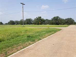 301 Cattle Drive Trail, Angleton, TX 77515