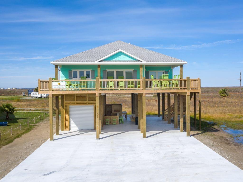 3177 Castle Drive, Crystal Beach, Texas 77650, 4 Bedrooms Bedrooms, 6 Rooms Rooms,2 BathroomsBathrooms,Single-family,For Sale,Castle,20466559