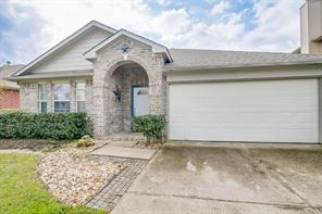 32211 Decker Oaks Drive, Pinehurst, TX 77362