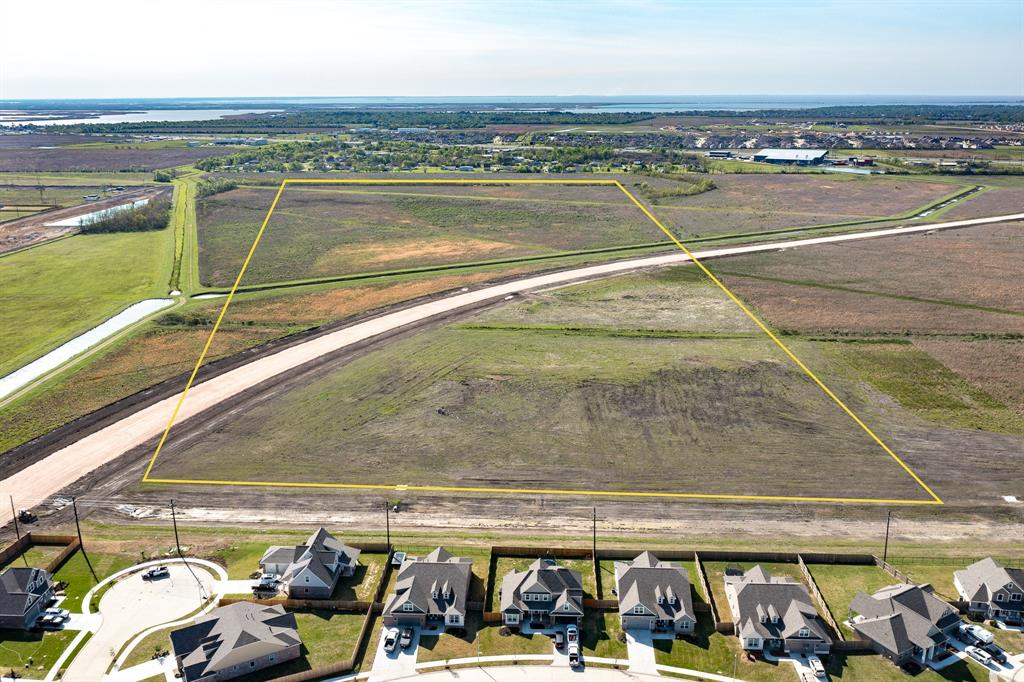 44.764 APPROXIMATE ACREAGE FRONTING FM 1409 EXPANSION IN MONT BELVIEU. CAN BE DIVIDED FOR COMMERCIAL OR RESIDENTIAL. LOCATED IN BARBERS HILL SCHOOL DISTRICT. TWO TRACTS OF LAND EQUALING APPROXIMATELY 1,949,920 SQUARE FEET NEAR EAGLE DRIVE AND I-10. THIS IS AN EXCELLENT BUY FOR FABULOUS POTENTIAL.