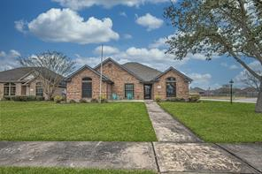 100 Warbler Court, Richwood, TX 77531