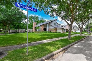 3446 Brookbend Lane, Sugar Land, TX 77479