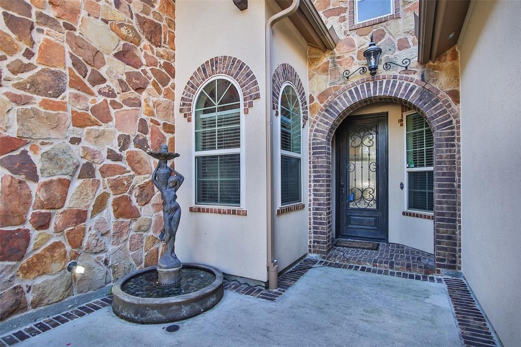 Avalon floor plan Tuscan style 1 story with 4 Bedrooms, 3 full baths, study, and 3 Car Tandem Garage. This home sits on an oversized home-site with a huge covered patio and outdoor kitchen. The front porch as open aired courtyard and gorgeous stone and stucco elevation.