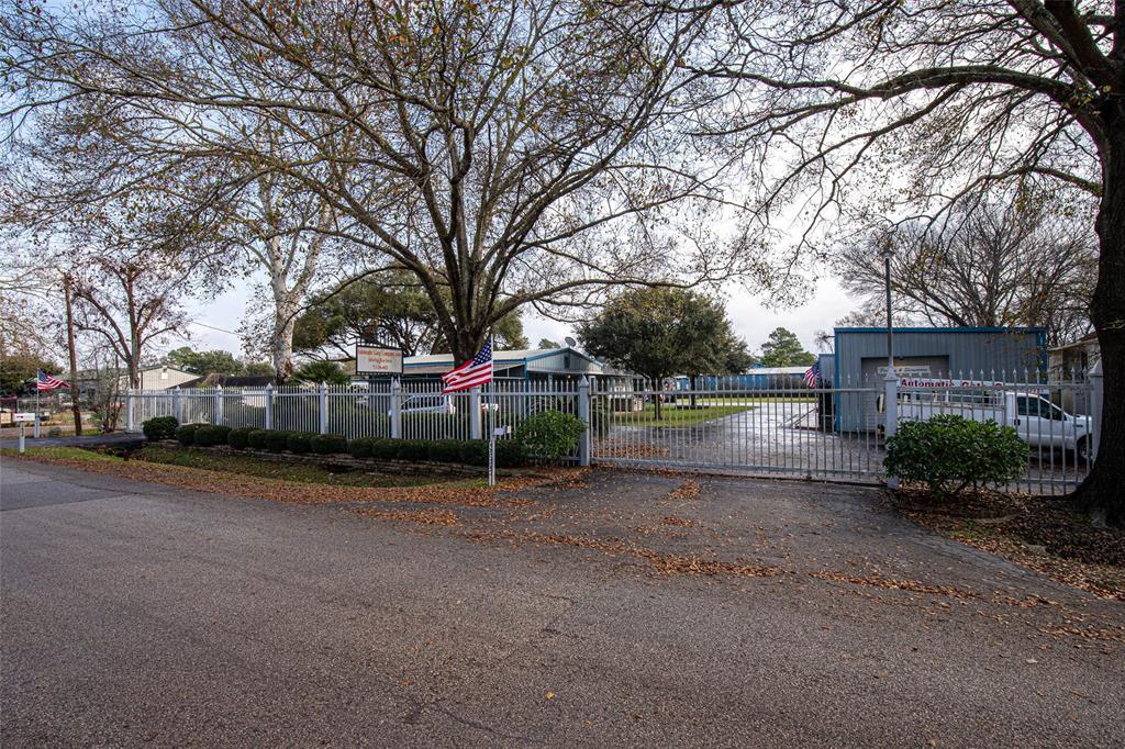 1654 Oak Tree Drive, Houston, TX 77080