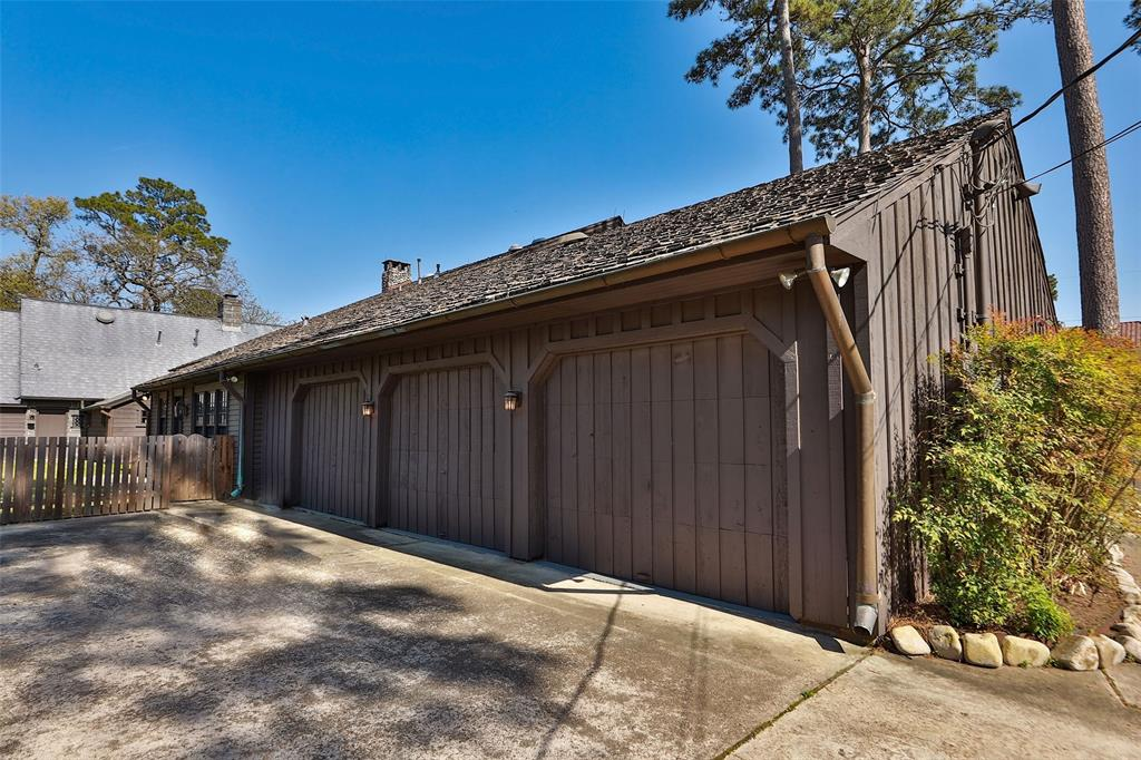 6306 Mid Pines Drive