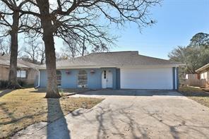 2 Midwood, Conroe, TX, 77301