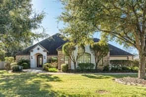 1105 Oak Park Drive, Angleton, TX 77515