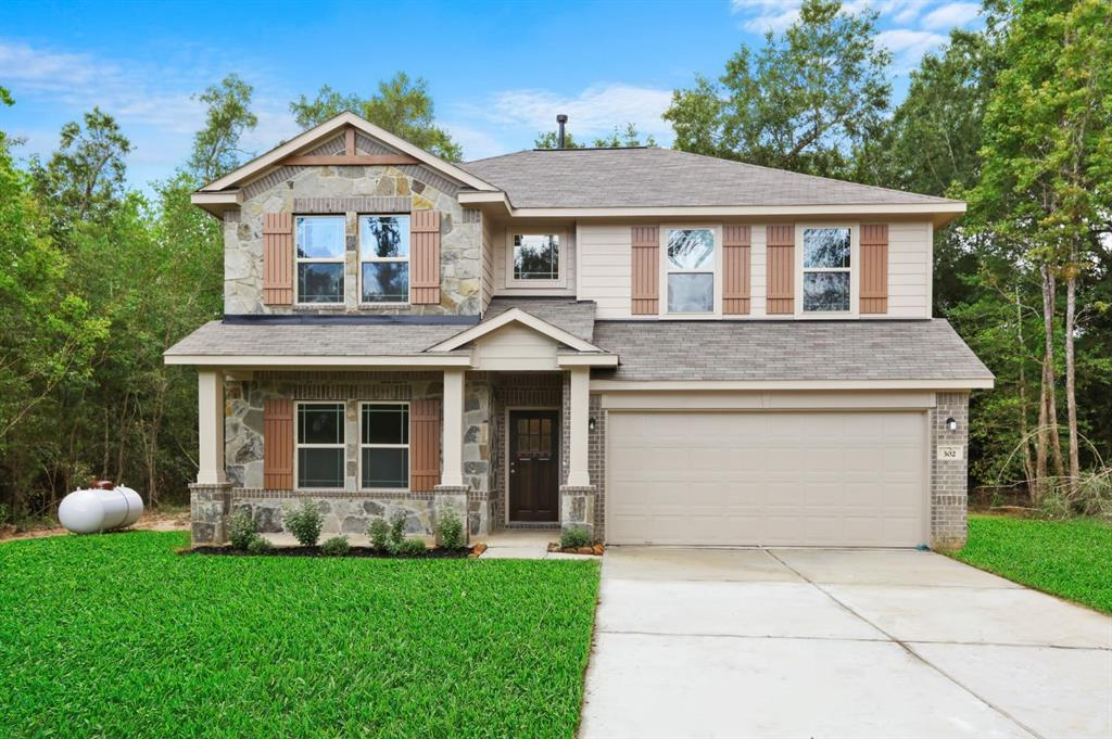 Beautiful 2 story home, 4 bedrooms, study and 2.5 baths Upgraded flooring, and double covered patio.