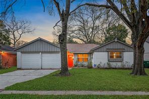 5926 Spellman Road, Houston, TX 77096