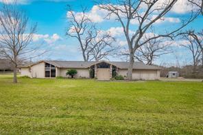 613 Bolling Green Drive, Wharton, TX 77488