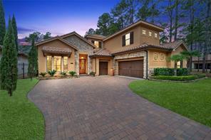 29 W Shadow Creek Villas Loop, Spring, TX 77389