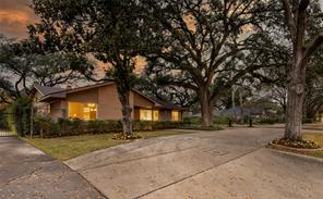 2302 Chimney Rock Road, Houston, TX 77056