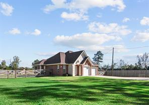 1660 County Road 2270, Cleveland, TX 77327