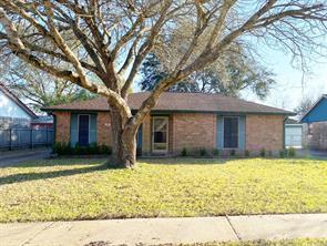 220 Bastrop Street, Angleton, TX 77515