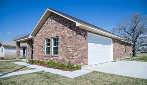 251 S Iowa Street, La Porte, TX 77571
