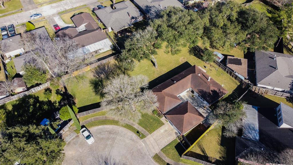 Looking for the perfect home with all tile flooring and a large yard, look no further. This home has been meticulously cared for and it shows. Located in a cul de sac this is a great home that will not see a lot of through traffic.