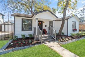 2616 Columbia Street, Houston, TX 77008