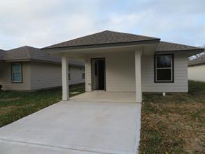 122 E Ash Street Street, Angleton, TX 77515