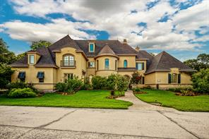 6110 Royal Point Court, Kingwood, TX 77345