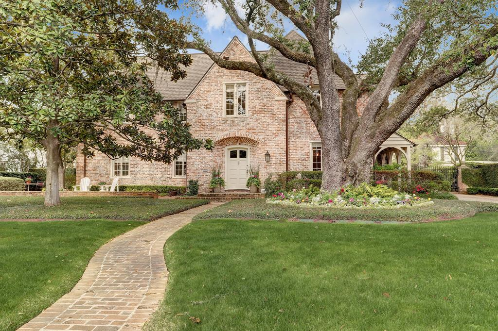 2128 Brentwood Drive, Houston, Texas 77019, 4 Bedrooms Bedrooms, 22 Rooms Rooms,5 BathroomsBathrooms,Single-family,For Sale,Brentwood,65658298