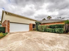 2407 Pilgrims Point Drive, Webster, TX 77598