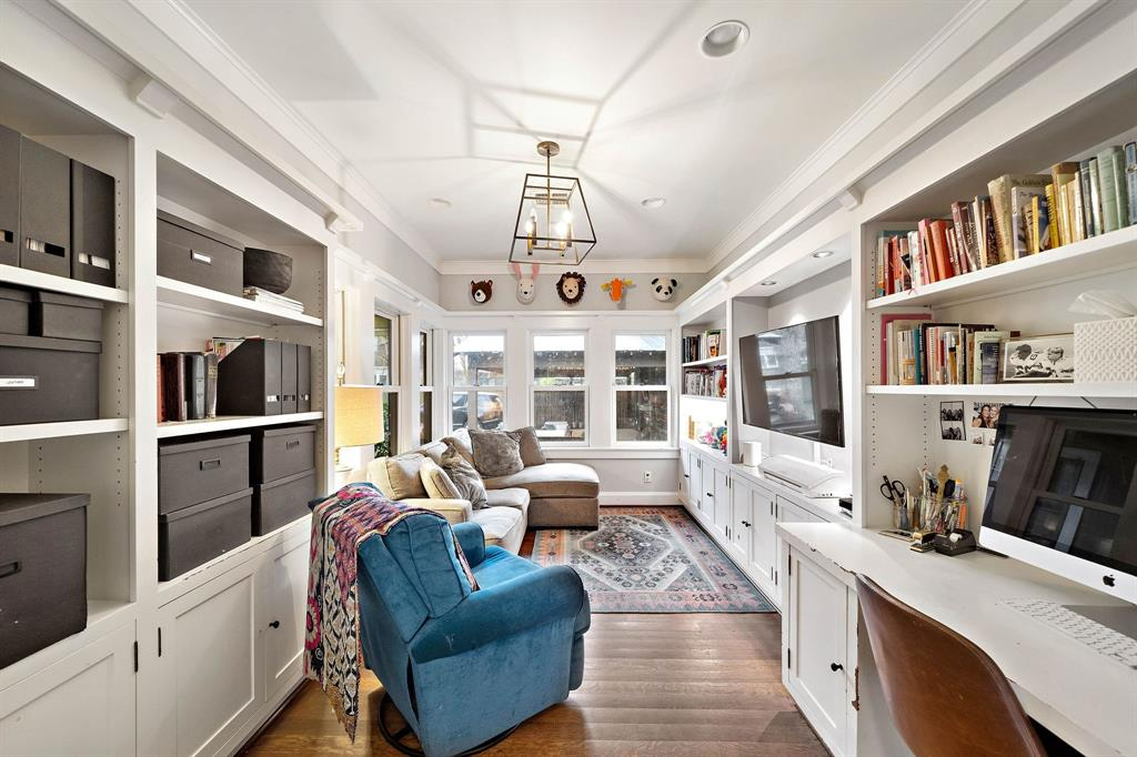 Large office/children's playroom.