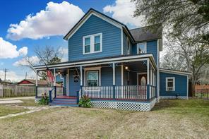 910 S Virginia Street, La Porte, TX 77571
