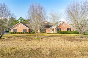 626 Meadowlark Lane, Winnie, TX 77665