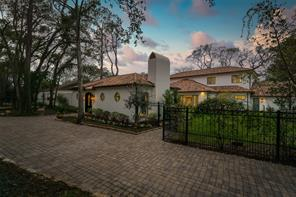 70 W Broad Oaks Drive, Houston, TX 77056