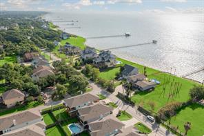 2121 Todville Road, Seabrook, TX 77586