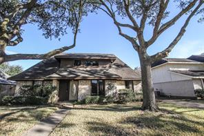 2919 Edgewood Drive, Sugar Land, TX 77479
