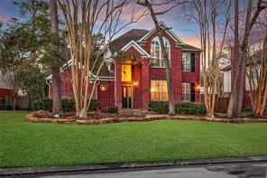 48 W Twinberry Place, The Woodlands, TX 77381