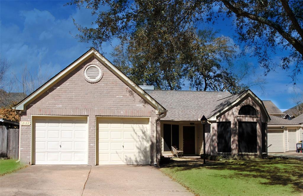 Lovely one story home with Pride of Ownership! 3 Bed 2 Bath featuring High Ceilings, Open Family room space and fireplace. House has a NEW ROOF and tons of upgrades including new laminate flooring, renovated bathrooms and Kitchen cabinets. No Carpet! Low Taxes and Great Location. Priced to Sell!!!