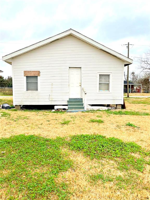885 Powell, Beaumont, TX 77701