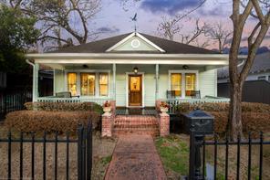 916 Cortlandt, Houston, TX, 77008
