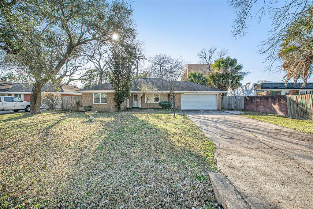 Being sold as-is for lot value only.  This is your rebuild opportunity on a huge lot in a well-established, quiet, tree-lined community.  Great location with easy access to I-10 and downtown.  Zoned to amazing Spring Branch schools!