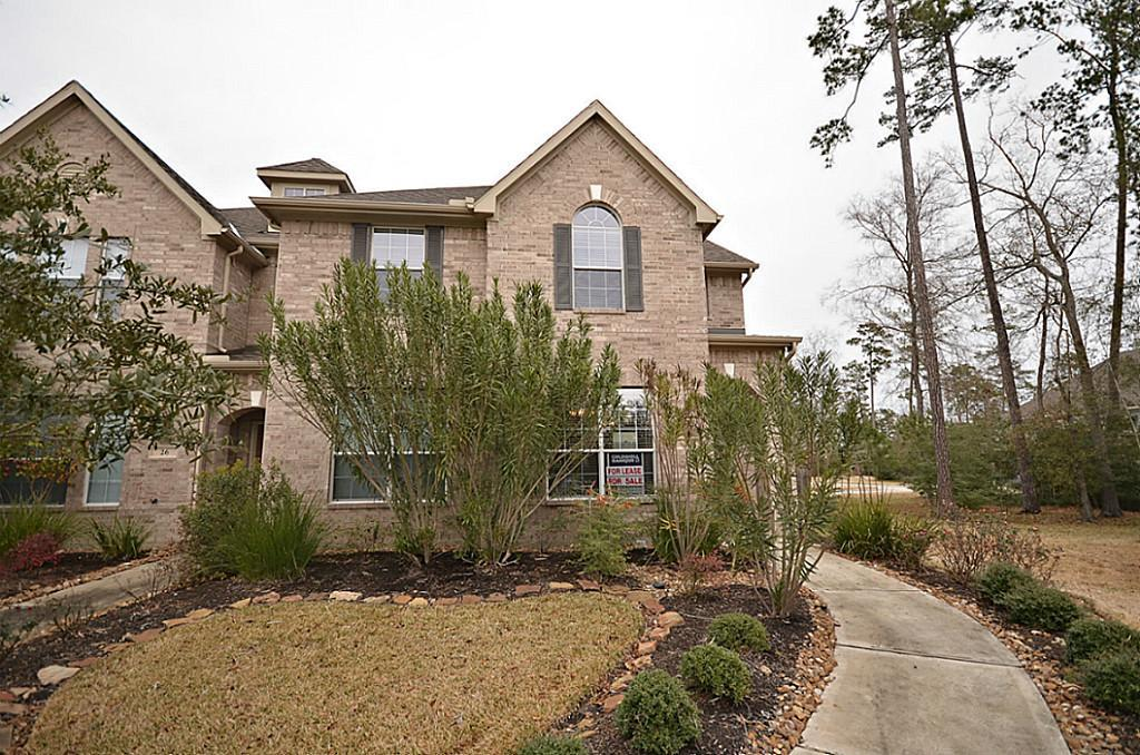 **ALL BEDROOMS UP** 3 BEDROOMS **2.5 BATHS **STUDY**YARD MAINTENANCE INCLUDED ***GAME ROOM ***WASHER,DRYER,REFRIGERATOR *Located in Sterling Ridge, close to shopping and dining.  Well maintained townhome, all bedrooms up, tile and carpet, natural light, sprinkler system, located in a cul de sac,  study with French doors.  CONROE  EXEMPLARY SCHOOLS ISD SCHOOLS (Deretchin, Mc Cullough, The Woodlands HS)