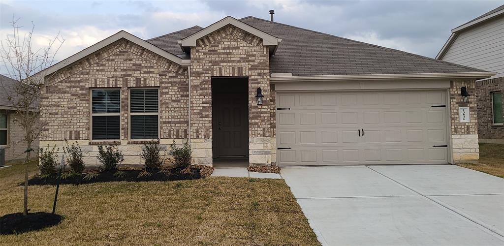 Brand new Construction, Never Been Lived In! Come see this beautiful 4 bedroom home ideally located with easy access to all the amenities the area has to offer as well as major thoroughfares for easy commuting. Open living area, island kitchen with granite countertops, spacious master suite, fully fenced backyard with covered patio. Come see this fantastic home now before it is too late!