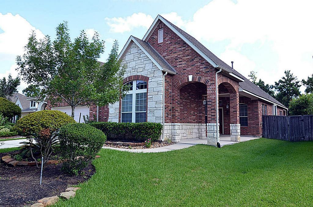 Updated 1.5 story home in Upfront location of Tapestry Forest! 3 bdrms plus study plus gameroom up! Open concept w large rooms and lots of windows! Features include granite counters, stainless appliances, custom wall paint, large front porch and a culdesac location. Available now.