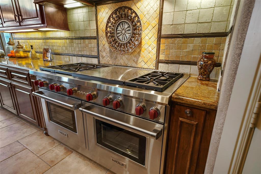 Wolf brand gas stove and double oven are sure to please the chef in your household!