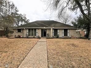 211 Rennie Drive, Katy, TX 77450