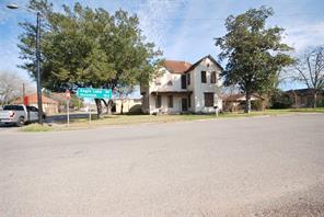 201 Alma Street, Hallettsville, TX 77964