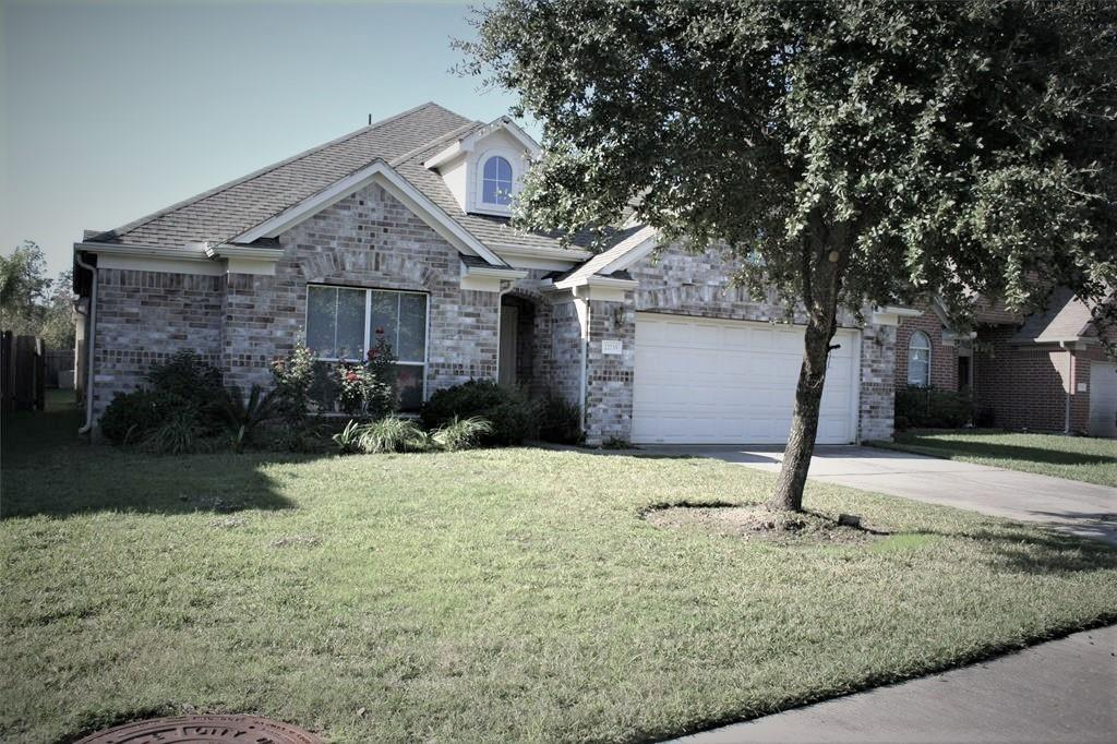 Amazing 2-story home in Northgate Crossing. Minutes to woodlands Mall, I-45, Hardy Toll Way, and Grand Parkway. Beautiful house you must see! Spacious 2 story home with 4 large bedrooms. All bedrooms on the first floor and one game room upstairs. Two and half bathrooms. Wonderful interiors including open concept floor plan, big kitchen with breakfast area, formal dining room, walk-in pantry, real wood flooring through out, huge back yard with covered patio.