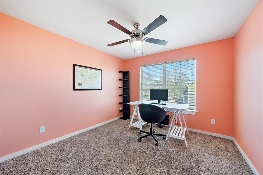 Secondary bedroom used as office. Great natural light.