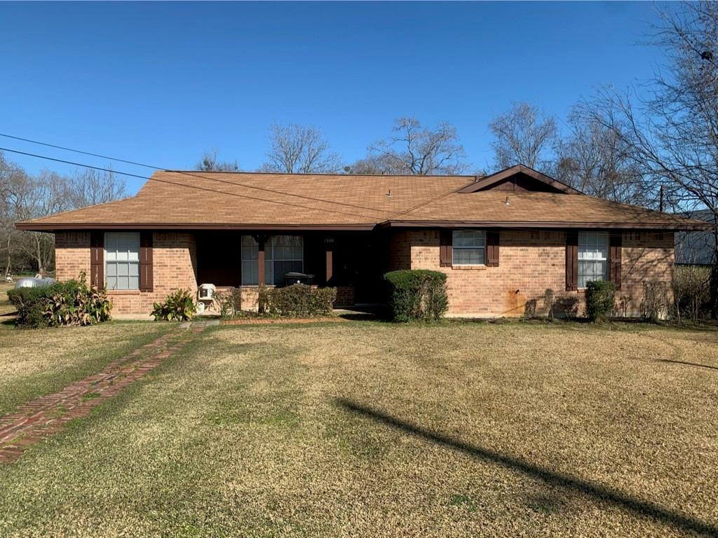 15202 Old Richmond Road, Sugar Land, TX 77498