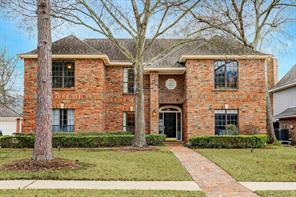 410 Crestwood Drive, Taylor Lake Village, TX 77586