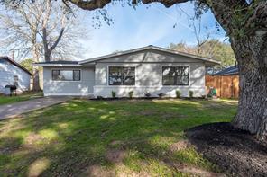 208 Pine Street, Prairie View, TX 77446