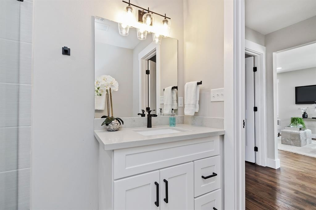 Everything down to the light fixtures and cabinet hardware was so thoughtfully chosen.